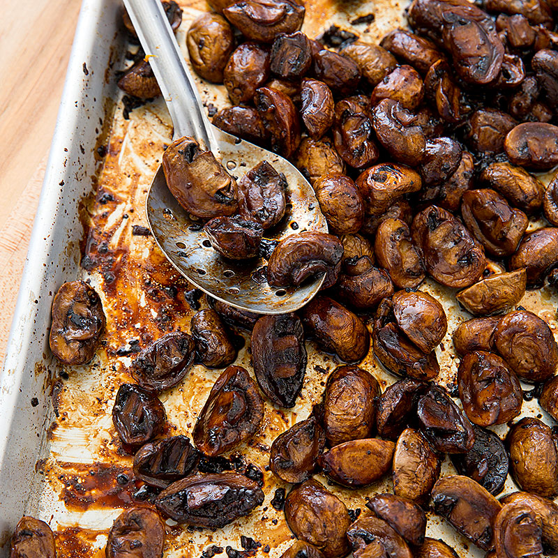 These Balsamic and Thyme Roasted Portabella Mushrooms makes a ...