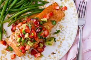 marinateRecipeGrilled Salmon with Strawberry-Avocado Salsa
